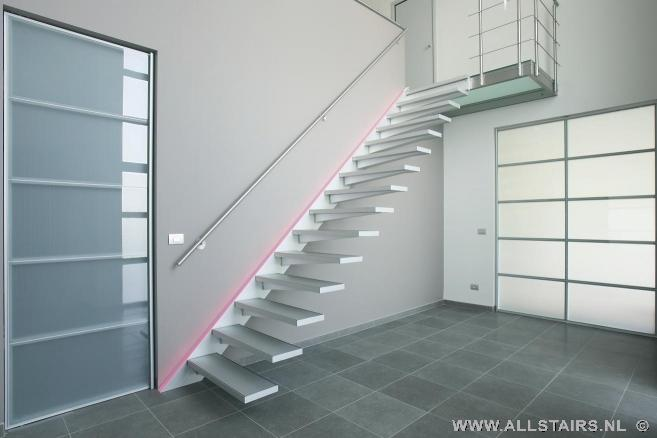 Aluminium trap met een moderne uitstraling allstairs trappen benelux - Moderne trapmodel ...