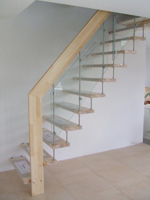 Semi zwevende steektrap allstairs trappen benelux for Luie trap afmetingen