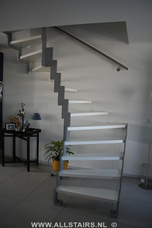 Stalen halfslag trap op keepboom allstairs trappen for Stalen trap maken