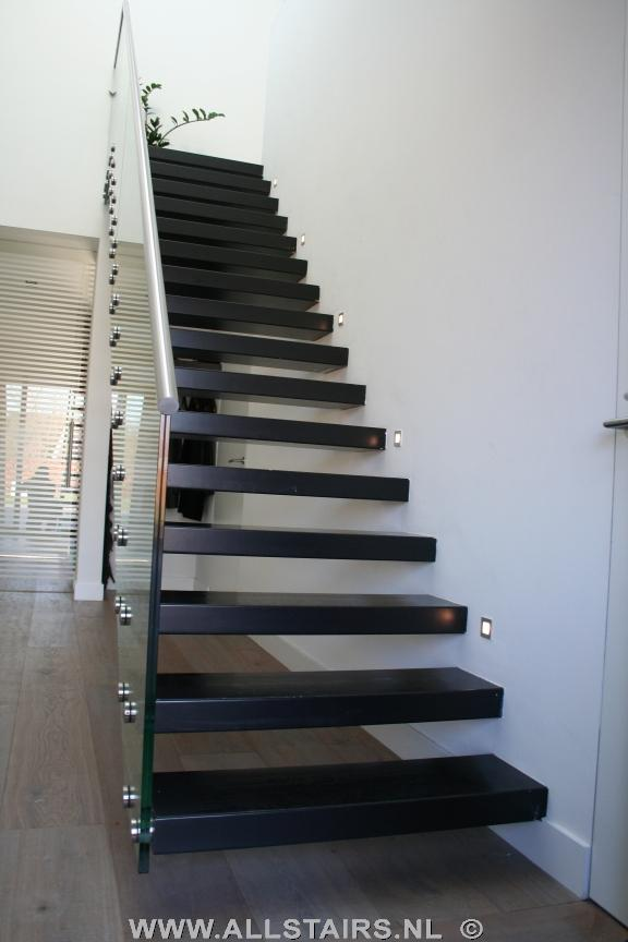 Zwevende trap met glazen balustrade te arnhem p33 - Moderne houten trap ...