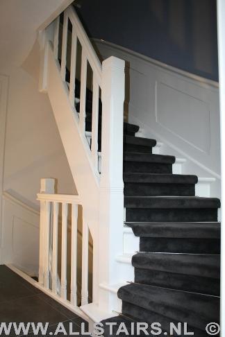 Houten jaren 30 trap met lambrisering allstairs trappen for Spiltrap hout
