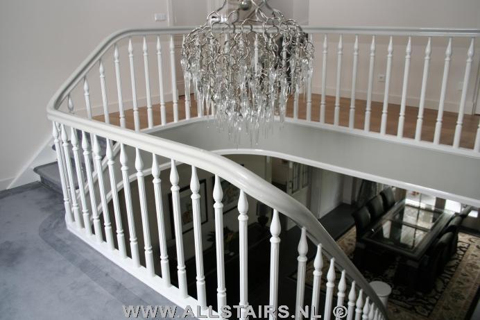 Uitsparende houten design trap allstairs trappen benelux - Te vernieuwen zijn houten trap ...