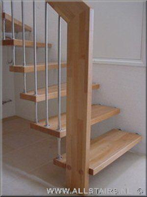 Houten halfslag trap vindt u bij allstairs trappen benelux for Dichte trap maken