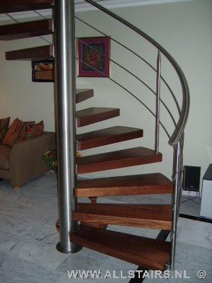 Houten halfslag trap met eiken treden allstairs for Spiltrap hout