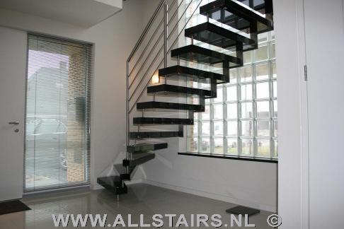 Natuursteentrappen vindt u bij allstairs benelux - Moderne trapmodel ...